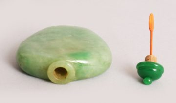 Chinese apple green jade snuff bottle 5