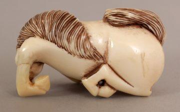 Netzuke carved ivory horse 6