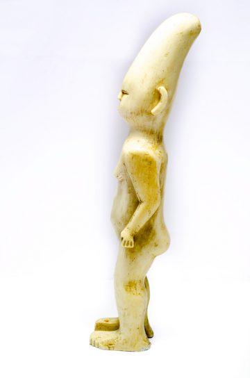 statue-side